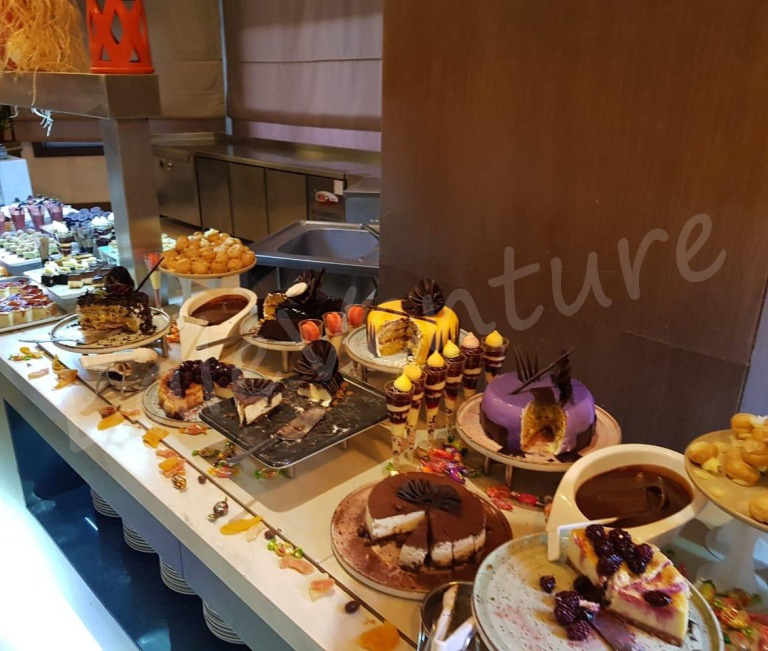 laleventure papillon zeugma relaxury hotel review food dessert buffet